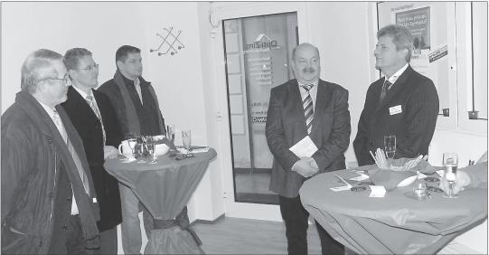 Foto von Eröffnung der Firma Opti-Zins